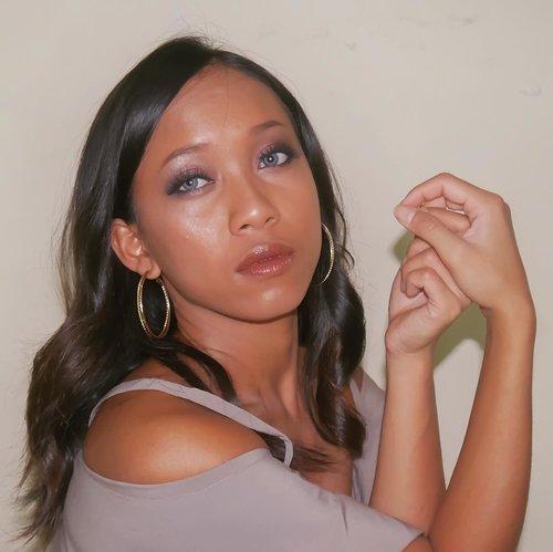 I'm going to write new post on my blog. 😍😍 Mau review lipstick lagi. ❤️❤️ . . . .  #sakuralisha #independentwoman #indonesianbeautyblogger  #eyebrow #vegasnay #hudabeauty #Maybelline #beauty #makeup #beautybloggers #indobeautygram #fanbocosmetics #indonesia #dagelan  #beautylook #beautyblogger #lookoftheday #makeuplook #makeupoftheday #jakarta #clozetteid #tannedgirl #brownmakeup #lakme #kulitsawomatang #indonesian @indobeautygram