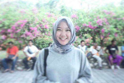 .si senyum kelinci 🐰🐰🐰..#abaikanpipi #smiles #gigikelinci #throwback #happysunday #uluwatutemple #explorebali #hijabtraveler #clozetteid #myhijup #hijabers