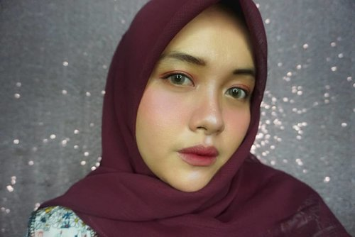 Selamat merayakan Iduladha 1440H yaaa! 🐂🐃🐐🐑⁣⁣Tertanda, ⁣Lilis yang lagi sakit gigi. 😩⁣⁣⁣#eidmubarak #red #girl #livefolk #ringlight #instadaily #meikeindonesia #traveling #party #makeup #wonderlust #throwbackthursday #travelblogger #picoftheday #selfie #black #explorebandung #clozetteid #hijab #photoshoot #bohemian #weekend #sonyalpha #photooftheday #ootd #travel #photography #outdoors #throwback #bandung