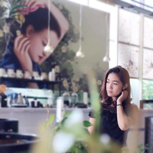 . Perempuan adalah pendukung peradaban, kemajuan perempuan adalah faktor penting dalam usaha memajukan bangsa. -R.A Kartini- . Selamat Hari Kartini untuk semua wanita hebat di Indonesia!!💕 . #kartiniday #harikartini #womenempoweringwomen #womensequality #qotd #bblogger #bloggerslife #clozetteid #bloggerperempuan #indonesianfemaleblogger #indonesianbeautyblogger