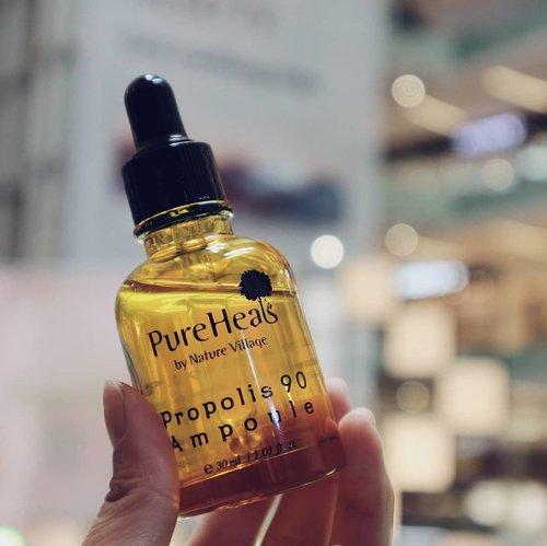 .Udah seminggu nih cobain PureHeal's Propolis 90 Ampoule.. Finally nemuin serum yang cocok di kulit keringku! Rangkaian Propolis dari @PureHeals_id mengandung propolis madu yang cocok banget buat kulit kering dan sensitif seperti aku. Kandingan propolis yang kaya akan antioksidan dan anti-bakterial mampu melindungi kulit dan menenangkan kulit. Dan ada efek anti-agingnya lho!.@dearbloggernet#PureHeals #PureHealsevent #PureHealsbeauty #PureHealsxDBN #purehealslaunch #PureHealPureBeauty #skincarealami #beautyevent #bloggerslife #anitamayaadotcom #Clozetteid