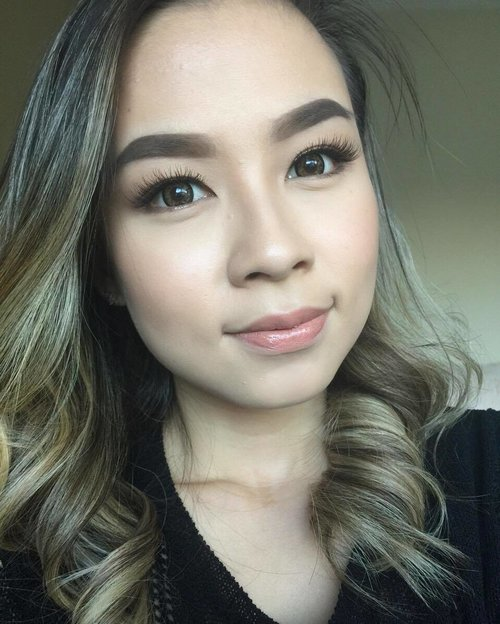 #tbt to simple eye makeup tutorial on my YT channel. If you haven't watched already, the link is on my bio 😊😉 #wakeupandmakeup #simplemakeup #clozetteid #clozette #hudabeauty #brian_champagne #vegas_nay #makeuptutorial #indonesianbeautyblogger #beautybloggerindonesia #indonesiabeautyblogger #indobeautygram #indovidgram #makeuplook #makeupfanatic1 #makeupslaves #slave2beauty #slavetobeauty #fdbeauty #vancouvermua #vancouverwedding #vancouvermakeupartist #belajarmakeup #lesmakeup #makeuppengantin