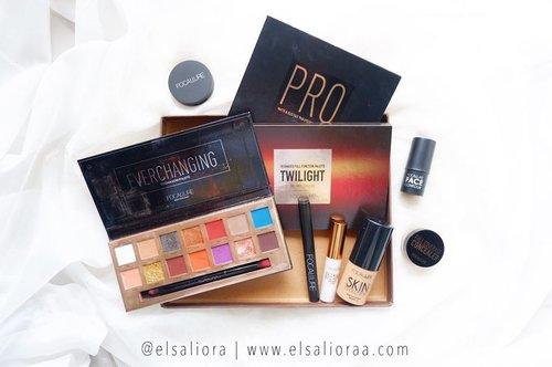 "Pengen buat makeup ""One Brand"" deh, udah lumayan lengkap ini produk nya 🥰✌️ . Ngak nyangka pas liat laci produk @focallure nya ada sebanyak ini. 🍄 3 Eyeshadow Pallate, dan paling Fav si Twilight 🍄 Foundation Skin Evolution 🍄 Eyeliner Gliter 🍄 Concealer 🍄 Contour 🍄 Blushon 🍄 Eyeshadow Stick 〰️ Over all, produk focallure bagus semua, apalagi Eyeshadow nya itu warna pigmented, harganya juga terjangkau 🥰 〰️ #REVIEWBYELSALIORA #beautygoersid #beautiesquad #pkubeautyblogger #beautybloggerpekanbaru #beautilosophy #beautybloggerindonesia #kbbvmember #clozetteid #atomcarbonblogger #indonesianhijabblogger #indonesianbeautyblogger #bbloggerid #bloggerceria #kbbvbeautypost #reviewbyelsaliora #setterspace #kbbvfeatured #bloggerperempuan #bloggirlsid"
