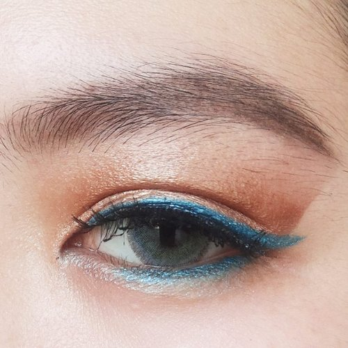 Oh my blue line,  using @maybellineina color tatoo in tennasious teal #motd #clozetteid #makeup #eyeamazing #eotd