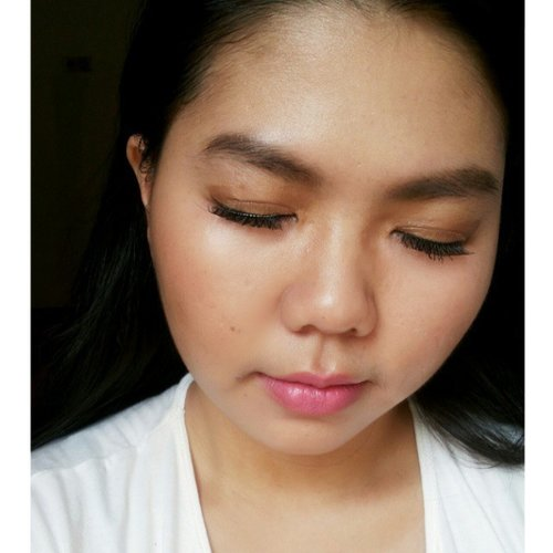 Trying to recreate @abeautifulwhim tutorial! I Also trying to take selfie like her , lol😁 Mac girl with cooper and pink 😄 but I wasn't using MAC at all because I have none of it 😞 , so I try to find closet color from my inventory to make it similar 😄 , detail makeup and pic will coming tomorrow 😃😃 #motd #abeautifulwhim #gbeauty #tinaaustinpaul #clozetteid #makeup #potd #zebbyzelf