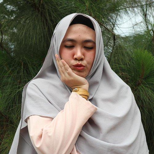 Jerawat, Yowis band 😥#clozetteid #clozetter #clozetthijab #styleblogger #clozettedaily #instyle #indonesia #duckface #