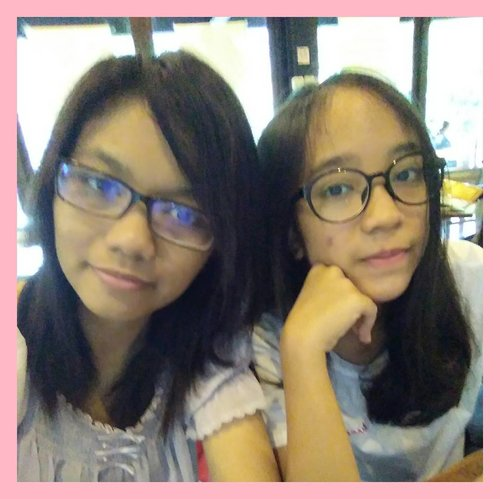 Well this is my lil sister. Iya ade kandung, iya ga mirip emang, Jarang-jarang kan foto berdua? Kadang sirik aja gitu cakepan doi daripada gue kan ya 😂 But it's okay karena doi adalah partner nyinyir gue nomer satu. Hahahah. Love you sis~ kapan-kapan pinjem lip cream Micanya ya /kabor . #clozette #clozetteid #sisterhood #family
