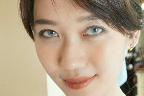 When soft grey eyes can change all your looks, just a contact lenses.