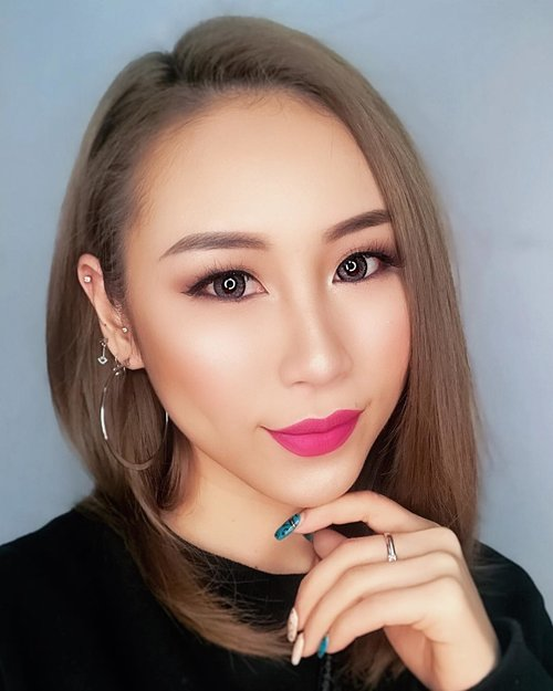 We all are hiding our biggest pain in our biggest smile.  #ladies_journal #selfie #selflove #nail #clozette #clozetteid #wordsofwisdom #sgig #igsg #asian #asiangirl #beauty #makeup #weekend