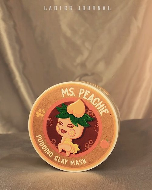 I know that since pandemic I am into skincare. Here one of my favorite one from @rra__official collections. Ms. Peachie Pudding Clay Mask with pudding texture and peach fragrant.   Why I like this mask? With natural ingredients that good for your skin. It's also helpful towards my combination skin type, especially when I am having so many breakout right now. It's not drying like about to suck out all your skin hydration.   #ladies_journal #skincare #skincareproducts #puddingclaymask #indonesia #indobeautygram #indobeautyvlogger #review #beauty #clozetteid #clozette