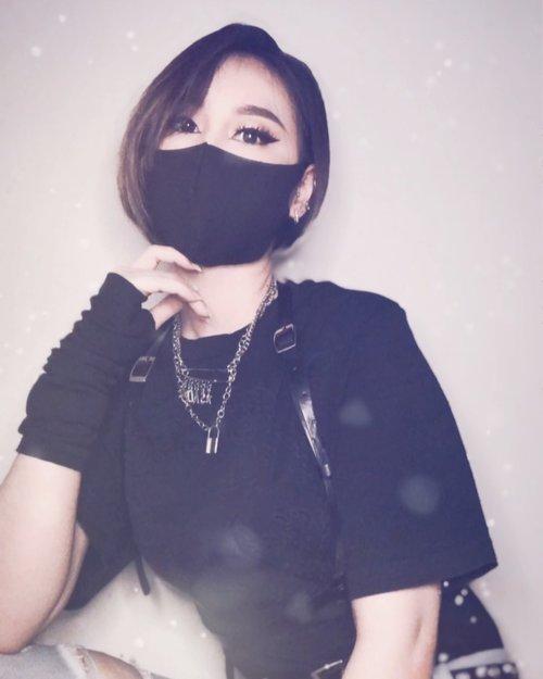 When you dress up as a Kpop 🔪  #ladies_journal #loopsieapp #badass #ootd #clozette #clozetteid #blackpink #kpop #indonesia #indonesiangirl #asiangirls #asian