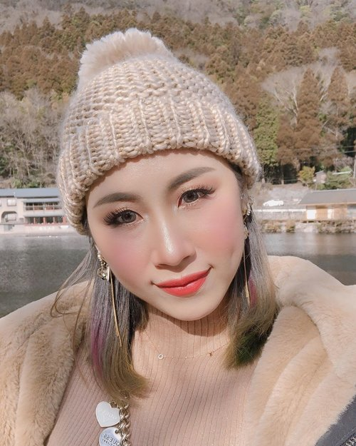 Where's my Prince Charming 💍? #ladies_journal #fennyxjapan #fukuoka #japan #winter #selfie #motd #clozetteid #clozette #asiangirls #asian #indonesian #yufuin #yufu #lake