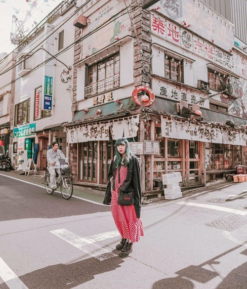 Missing Japan ⛩💖....#japan #travel #clozzette #clozetteid #ootd #lookbook #looksootd #cidstreetstyle #outfit #fashion #looks #tokyo #wheninjapan #yunitainjapan