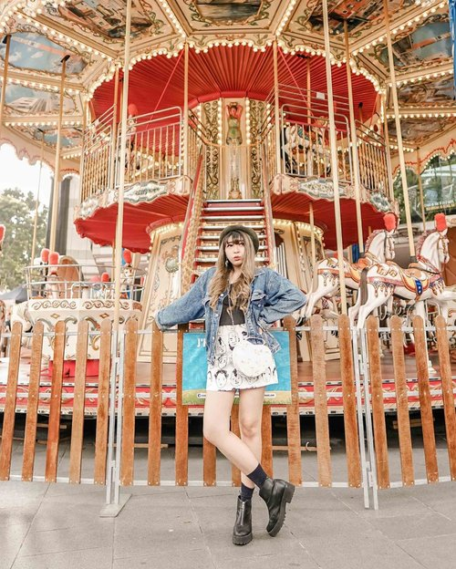 🎠🎠🎠...📷 @williamiskandar .....#clozette #clozetteid #look #lookbook #ootd #travel #lifestyle #outfit #fashion #carousel
