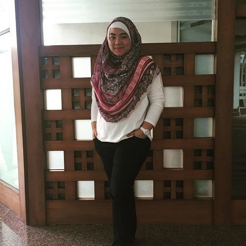 My fashion Friday! #clozetteid #office #hijabfashion