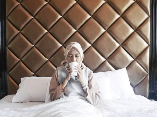 Oh hello monday 💝 udah pertengahan september aja nih, yang kemarin ikutan giveaway Wardah instaperfect, tunggu pengumumannya dalam minggu ini yaa 😊 . . . . . . . . . #clozetteID #clozettedaily #bloggerindo #bloggerlife #bloggerindonesia #indotravelgram #travelblogger #indotravelblogger #parkviewhotel #parkviewhotelbandung #stayatparkviewhotel #staycation #hotelbandung #hoteldibandung #lifestyle #LifestyleBlogger #indonesianfemaleblogger #indonesianhijabblogger