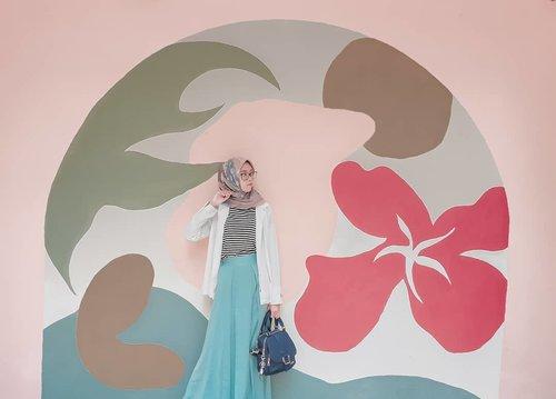Weekend terakhir di 2019. Semoga menyenangkan 💕....#ClozetteID #clozettedaily #ootd #style #travel #hijabtraveller #lifestyle #travelingsingapore #Singapore #exploresingapore #singaporeinsiders #DiannoStyle