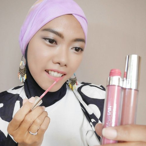 "Have you heard ""Simple things will make you happy"" ? For me it's a true statement. 'Mix & match' is one of my happiness, not only do it in fashion, but also in beauty.For my daily and cheerful look, I wear two @wardahbeauty exclusive matte lipcream (No. 3 See You Latte + No. 4 Pink Me) then mixed them into an ombre lips which is called ""Candy Latte""..For supporting my look, Fashion is needed. It always makes me curious to mix & match or do trial & eror to get the best. Learning and sharing about fashion with the expert is something that I dreamed of, primarily with @dianpelangi . Her designs are always unique and gorgeous. She's more than an inspirator. Through her creation and journey, she has empowered woman all over the world. I trully admire her 💕 .I'm very excited with her next stop at @singaporefashionweek , adore her masterpiece, learn and share new things about fashion & beauty. It will be great 💖 I wish I could be in, and my experience could inspire others 💖..#ColorYourLife #DPxWardahForSGFW #WardahFashionJourney #wardahforsgfw .#wardah #wardahbeauty #Clozetteid #clozettedaily #beauty #beautyblogger #fashionblogger #bloggerindo #blogger #wardahexclusivemattelipcream #wardahmattelipcream #beautyenthusiast #indobeautyblogger #motd #makeupoftheday"
