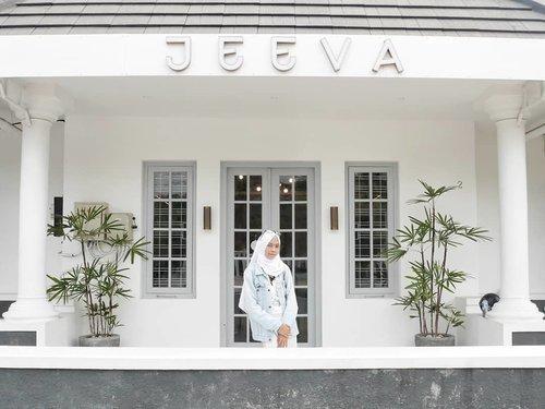 Selamat senin..selamat mengawali minggu.. keep on spirit 💙.........#clozetteID #clozettedaily #travelblogger #Travel #indotraveller #indonesiantraveler #indotravelgram #indotravellers #indonesiantraveller #lifestyle #LifestyleBlogger #indolifestyle #explorejogja #dolanjogja #jogjahits #yogyakarta ##hijabtraveller #travelingwithhijab #travelinstyle #ootd #ootdindo #lookbookindonesia #lookbook #lookbookindo #jeevajogja #cafehitsjogja #cafejogja