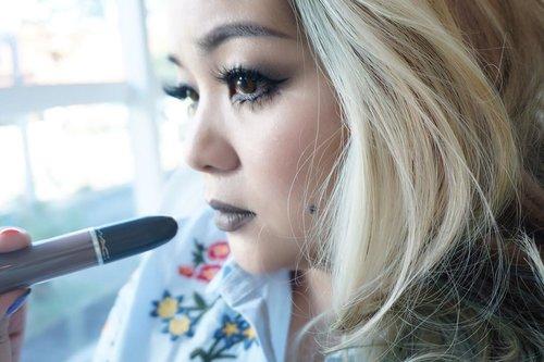 Hello September ... My month... 🖤✨ #makeup #makeuplook #mac  #maccosmetics #makeupdolls #makeupjunkie #liquidlipstick #lipstick #blue  #manicpanicnyc #luxurybeauty  #bblog #beautyblogger #ilovemakeup  #makeuplover  #clozette  #clozetteid