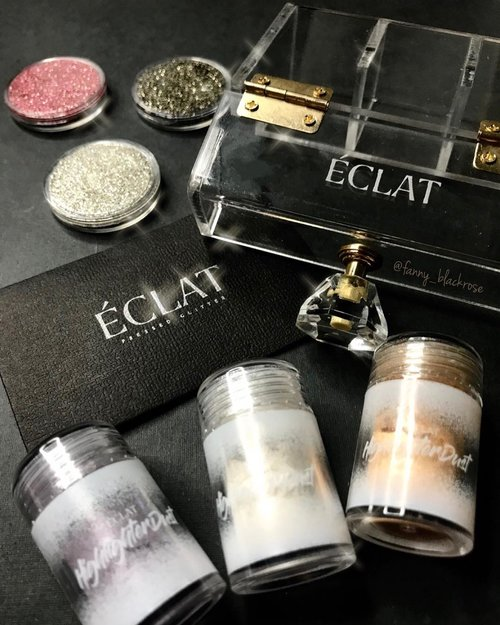 Weekend! 💫✨💫✨ Time to pull out some #glitters and #highlighters #glowgetter 🤩🤩🤩 Got mine from  @eclatpressedglitter  #madeinindonesia  #eclatpressedglitter  I do some swatches and mini review on my #instastory now if you want to see how it performs 💫🤩💫 #beautygram  #beautyblog  #BeautyBlogger #BeautyBlogger #wakeupandmakeup #beautylover #makeuppost #makeupnews #makeuptalk #makeupaddict #makeupjunkie #clozette #clozetteid #makeupartist #makeuponfleek #makeuplife