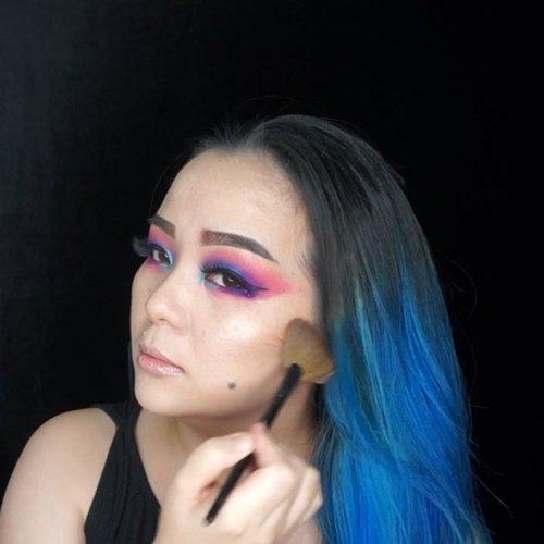 Playing slot with this @maccosmetics #maccosmetics #SoftandGentle #softandgentlehighlight ✨✨✨ I've got this from @maccosmeticsindonesia  I like to combo it with @gossmakeupartist #waynegoss #fanbrush #makeupbrushes #makeupbrush ✨✨✨✨✨✨ #glowgetter #beautygram #beautylover #mac #clozette #clozetteid #beautyaddict #luxurybeauty #makeuppost #makeuptalk #makeupaddict