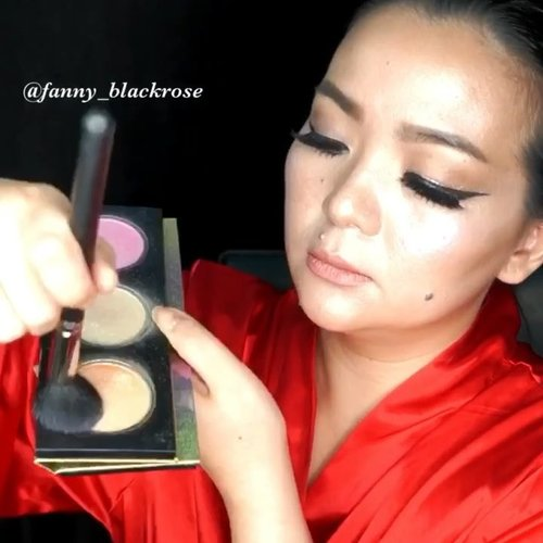 Playing with @sweetmakeuptemptations #soniag #makeupbrushes and sharing it here ♥️✨ On my Eyes 👀  Using @threecosmetics #shimmeringcolorveil No 16  I've got from @threecosmeticsmy  Eyeshadow base from @armanibeauty  #armanibeauty #eyetint number 8 Glitter liner from @makeupstoresingapore  #makeupstore #glitter  Eyeliner using @tomford #tomford #eyedefiner  @maccosmeticsid #maccosmeticsid #macfixplusid  #navytimesnine 👄 On my lips 👄 @fentybeauty #fentybeauty #uncensored with  @thebalmid #thebalmcosmetics #thebalmid #lipliner  Highlighter @katvondbeauty #metalcrushhighlighter  @thewlashesofficial  #thewlashesofficial  Bottom lash from @ladylashes.id  Hair @manicpanicnyc #manicpanic  Robe @myromanaworld #red . . #beautygram #clozette #clozetteid #makeupvideo #makeuppost #makeup #makeuplife #makeupaddict #makeuptutorial