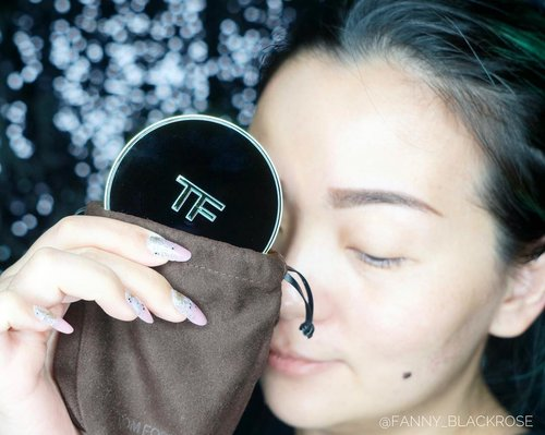 Have you watch my latest #makeupvideo at my #youtubebeauty channel? Playing with the latest #TomFordCushion #TFCushion ✨🖤💫 Link on my bio as always. Or here • • • #happyweekend weekenders 😘🥂🥂🥂💋 • • •  https://youtu.be/IAq94Aroykw  #makeup #makeuppost #makeupreview #makeuplover #makeupaddict #tomfordlifestyle #luxurybeauty #wakeupandmakeup #beautyinfluencer #beautygram #beautyaddict #beautyblogger #tomfordklcc #tfklcc #tomfordsg #beautylover #clozette #clozetteid