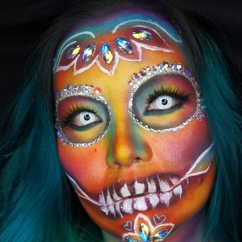 Still #throwback from last year #halloweenmakeup #sugarskull #makeup #makeupart #makeupartist #makeuplover #makeupaddict #ilovemakeup #halloween #halloween2018 #happyhalloween #beautyinfluencer #colourmecolourful #rainbow #clozette #clozetteid