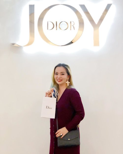 #Perfect timing to #Joy this #September month 💕 #birthdaymonth 💕 #celebrating  #beautyevent  #dior #diormy #diormalaysia #joybydior #TheJoyofDior #beautyinfluencer #makeupartist #beautyaddict #clozette #clozetteid #bblog #beautygram #luxurybeauty #parfume #beautyblogger #makeupaddict #mua #wakeupandmakeup #diorvalley #makeuptalk #makeupparty #happyhour #joyful #grateful