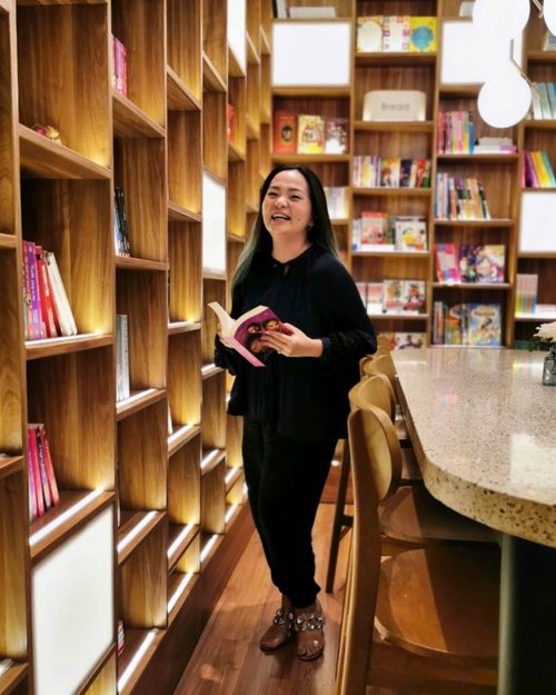 Lovely shoot 📚😘💋 thank you @dianaprildewi We have a good time @thelibrary.sby Will come back for more. •••#friend #friendship #clozette #clozetteid #happy #moment #library #thelibrary #book #books #bookstagram #bookworm #booknerd #woman #womanempowerment #enrichingwomenslives #enrichinglife #enrichingsoul #blessed #thankful #grateful #coffeestory #ceritakopiku