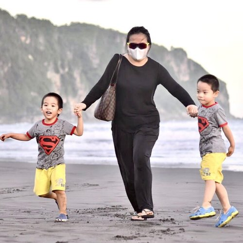 🥰🥰🥰  Let's run my crewcils  🥰🥰🥰 Run when you can  Walk if you have to  Crawl if you must  Just Never Give 🆙  ☀️ ⛅️ 🌞  • • • #hope #run #blessed #grateful #thankful #happyisdecision #family #familyphotography #familypotrait #beachlife #beachvibes #beachday #happycrewcils #happyisdecision #workingmom #workingmomlife #workingmomlifestyle #louisvuitton #livingmybestlife #livingmylifetothefullest #clozette #clozetteid #idontplaniplay  #idontplanipray