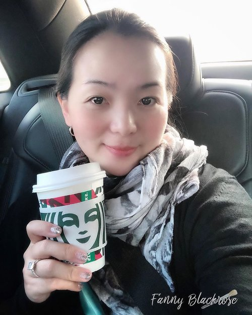 😊 landed safely , Thank God ♥️ Grabbing @starbucks and enjoying my ride. I don't bother to put any makeup, only skincare to keep my skin hydrated and protected ♥️ • • • #clozette #clozetteid #clozetteambassador #workingmom #workingmomlife #workingmomlifestyle #blessed #thankful #grateful #positivevibes #positivevibesonly #makeup #skincare #makeuptalk #skincaretalk #bareface #starbucks #blackrose #idontplaniplay #livingmybestlife