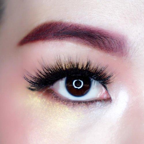 Change my hair colour means time to explore more with colours I have in my stash 💖😊💖✨ #shoppingmystash . . . #summermood #summermakeup #petals #petal #eyemakeup #makeuplook #makeup #makeuppost #makeuptalk #makeuplife #eyeball #pink #gold #fentykillawatt #trophywife #thewlashesofficial #coco #tomford #tomfordbeauty #tomfordaddict #flush #clozette #clozetteid #sugarpill #beautygram