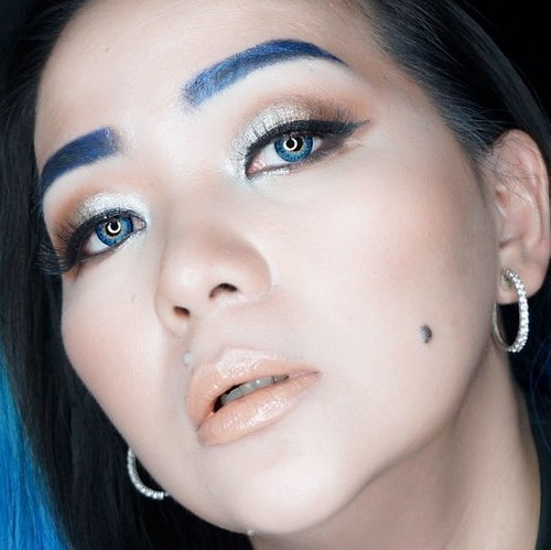 You are a powerful creator. If you are willing to take responsibility for your beliefs, attitudes and actions, you can create the life of your dreams. 💙 freeing myself ✨ from judgemental judgement 😊💙✨ #freedom #bemyself #memyselfandi #blue #bluehair #bluehairdontcare #sugarpill #sugarpillmakeup #velocity #rockabilly #rockabillyblue #manicpanic #tomford #tomfordbeauty #rebelheart #makeuptalk #wakeupandmakeup #clozette #clozetteid #quote #quotetoliveby #freemind #dreamer