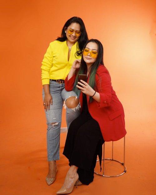U've a friend in me 🍊 ♥️ 🍑  • • • #hotmamas Till next project Mak @valomm79 @bakulemomi 😊😊😊 • • • #thankyou #blessed #grateful #thankful #blessedbeyondmeasure #project #makeupartist #workingmom #workingmomlifestyle #photography #photoshoot #sonya7iii #happyisdecision #behappy #beyourself #livingmybestlife #blackroseartproject #clozetteid #clozette  #friendship #momma