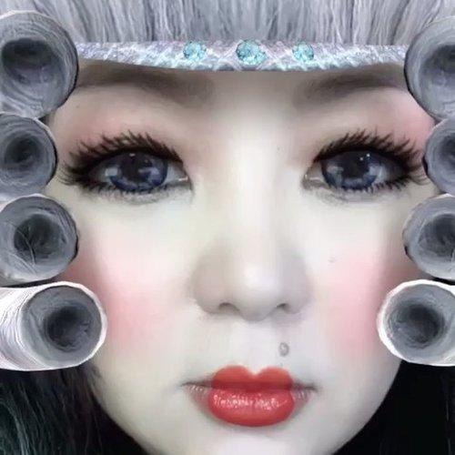 This #snapchat #filter got me 🐭🐹!!! 😂😂😂 #wheniamolder #granny #greyhair #greyhairdontcare #ashblonde #ashhair #ClozetteID