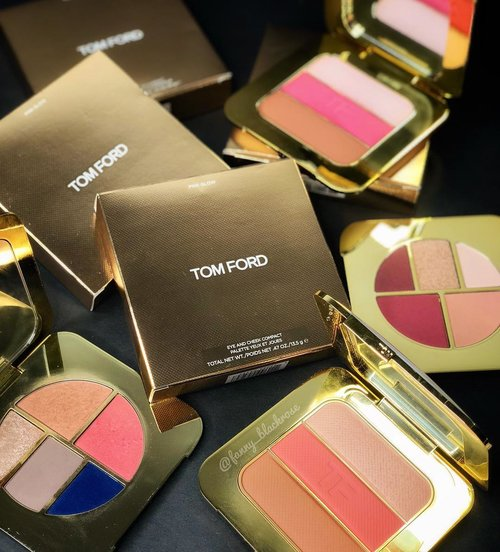 #TomFord what's next ?  I want to be WOWed again 😊♥️ . . . #tomfordsoleil #tomfordlover #tomfordaddict #tomfordstyle #ilovemakeup #tomfordbeauty #tomfordmakeup #luxurybeauty #wakeupandmakeup #clozette #clozetteid #pink #blue #glow #glowgetter #gold #bblog #beautyblogger #beautylover #summer