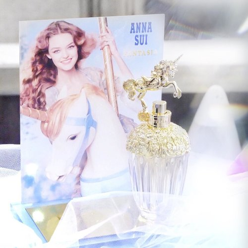 The best packaging ever! @annasuicosmetics_idn Fantasia perfume. Look at that gold unicorn 🦄✨i don't usually wear perfume but this is an exception. The smell is light, flowery, whimsical and will definitely take you into fairyland. #annasui #annasuifantasia #annasuifantasiaid #annasuiid #blogger #beautyblogger #blog #beauty #perfume #clozetteid #lykeambassador #potd #indobeautygram