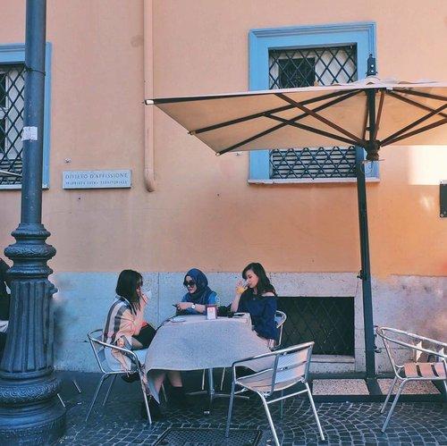 Today's highlight: Breakfast in Italy, Lunch in Austria, Dinner in Switzerland #wanderlust . . . #cathyineu #cathytravelogue #lykeambassador #clozetteid #beautyblogger #blogger #travelblogger #fashion #fashionblogger #travel