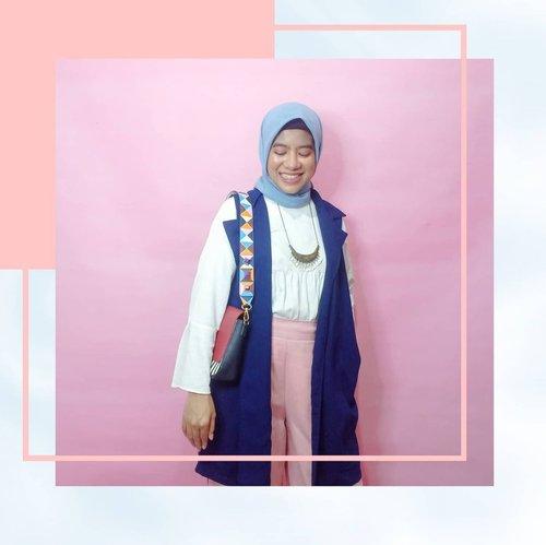 """Alangkah Indahnya Jika kita punya Ilmu Padi.""""Makin Berisi, Makin Merunduk""""Sikap rendah hati membuat kita lebih terbuka, mau tetap belajar & menerima hal baru.""""Belajar untuk menjadi benar itu harus, namun jangan sampai itu membuat kita merasa paling benar, dan akhirnya menjadi sombong.""""Hijab 🧕 from @daukyfashionOuter from @daukyfashionInner from Zahra Signature by @hijupCelana kulot from @emikoawaTas 👜 from @id.oriflame.......#ootdfamous1#Clozetteambassador #ClozetteID#Clozettestar#quotesoftheday #ootdhijabstyle"""