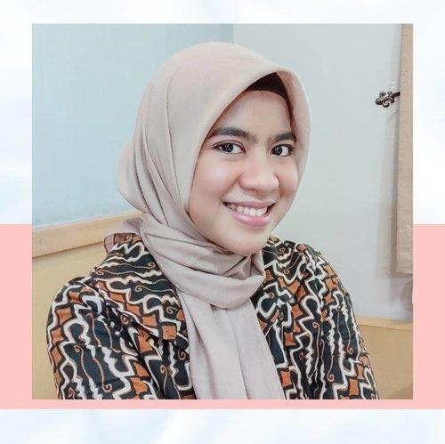 Hijab paling nyaman dan jadi andalanku setiap hari dari @elzattahijabSelamat menyambut tanggal merah, siapa yang suka senyum kalau mau tanggal merah?........#ClozetteID#Clozetteambassador#clozetteindonesia#Clozetteidreview#elzattaonline #elzattahijab.#elzattahijabstore