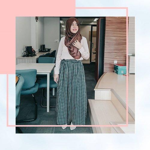 My Outfit of the day ==========================#Clozette #Clozettestar #ClozetteID #hijuplookootd #hijupstyle #hijuplook#hijuplookbook #hijuplook #Clozetteambassador #Clozetteco #dreamcoid #dreamcoid #newnormal #Dreamco #dreamshowbiz #rahasiagadis #rahasiagadislife#muslim #wanitaberkarya #wanitamuslimah #islamic #suarahati #rabucinuwu #stylist  #berkarya #hijablook #influencerstyle #bloggerindonesia #bloggerstyles #wanitahebat #millionairemindset====================