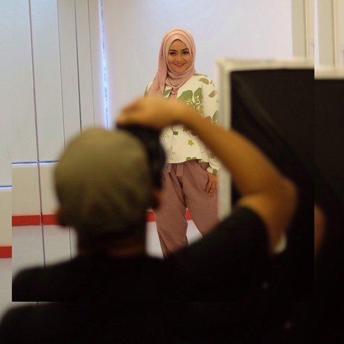 Photoshoot ala ala 😜 #clozetteid #niveaconfideo #ootd #hotd #motd #hijab